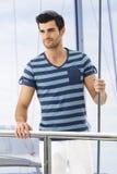 Молодой человек на яхте Стоковая Фотография RF
