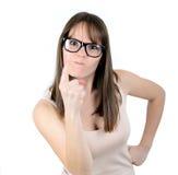 尖叫和指向她的手指的恼怒的女商人或上司 免版税库存照片
