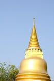 曼谷寺庙的,泰国金黄塔 免版税图库摄影