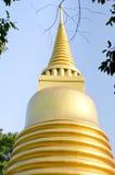 曼谷寺庙的,泰国金黄塔 免版税库存照片
