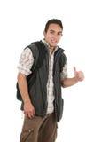 Όμορφος λατινικός νεαρός άνδρας που φορά το σακίδιο πλάτης και τη φανέλλα Στοκ εικόνα με δικαίωμα ελεύθερης χρήσης