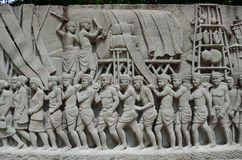 Περίπλοκη ταϊλανδική τοιχογραφία γλυπτικής - ιστορία της Ταϊλάνδης Στοκ φωτογραφίες με δικαίωμα ελεύθερης χρήσης