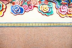 Τέχνη σχεδίων σε έναν τοίχο στον κινεζικό ναό Στοκ Εικόνες