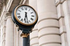 在历史的联合驻地坎萨斯城密苏里的时钟 免版税库存照片