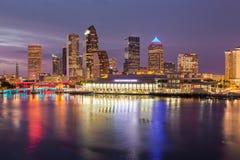 坦帕佛罗里达城市地平线日落的 库存图片