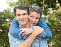富感情的夫妇成熟 免版税库存照片