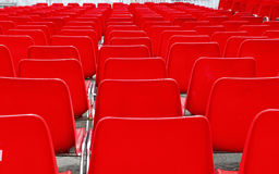 许多塑料椅子 免版税图库摄影