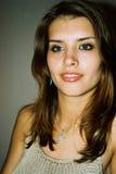 美丽的女孩性感微笑 免版税库存照片