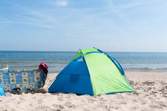海滩黄雀色费埃特文图拉岛海岛西班牙帐篷 库存照片