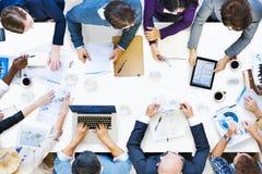 Ομάδα διαφορετικών επιχειρηματιών σε μια συνεδρίαση Στοκ Φωτογραφία