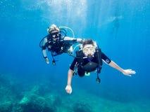 Водолазы акваланга Стоковая Фотография