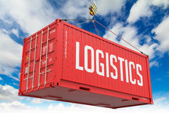 后勤学-红色垂悬的货箱 免版税库存图片