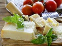 Свежий вкусный трудный сыр пармесан Стоковые Изображения