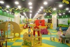 Шэньчжэнь, фарфор: спортивная площадка детей Стоковое Изображение