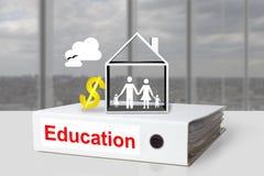Σύμβολο δολαρίων δαπανών εκπαιδεύσεων οικογενειακών σπιτιών συνδέσμων γραφείων Στοκ φωτογραφία με δικαίωμα ελεύθερης χρήσης