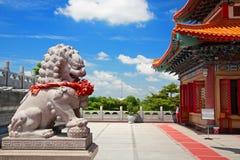在中国寺庙的狮子雕象 免版税库存图片