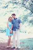 Ρομαντικό ευτυχές ζεύγος ερωτευμένο, ημερομηνία, ειδύλλιο, γάμος - έννοια Στοκ φωτογραφία με δικαίωμα ελεύθερης χρήσης