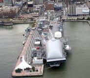 Απτόητος θαλασσινός αέρας πόλεων της Νέας Υόρκης και διαστημικό μουσείο Στοκ εικόνες με δικαίωμα ελεύθερης χρήσης