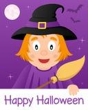 与逗人喜爱的巫婆的愉快的万圣夜卡片 免版税库存照片