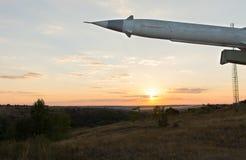 有一个弹头的导弹在发射器 免版税图库摄影