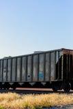 在轨道的列车车箱 免版税库存图片