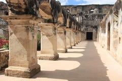 圣克拉拉女修道院废墟,安提瓜岛,危地马拉 免版税库存图片