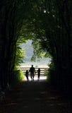 прогулка семьи Стоковая Фотография