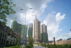 广东中山,中国:住宅区和公路交通 免版税库存照片