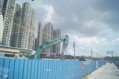 广东中山,中国:住宅区和公路交通 免版税库存图片