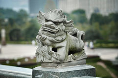 石雕刻的狮子在中国 免版税库存照片