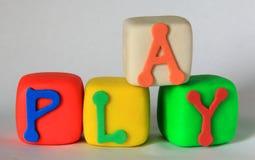 помощь блоков помечает буквами меня произношение по буквам игры Стоковые Фотографии RF