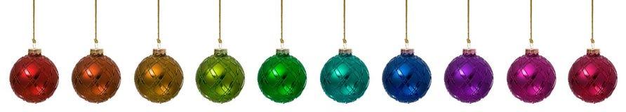 装饰品:被隔绝的彩虹圣诞节装饰品边界 免版税库存图片