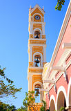 Πύργος κουδουνιών της ισπανικής εκκλησίας, Μεξικό Στοκ Φωτογραφίες