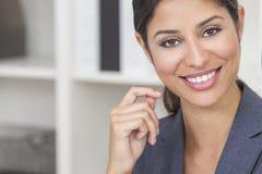 美丽的拉提纳西班牙妇女或女实业家 免版税库存图片