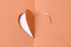 Заверните сердце в бумагу Стоковые Изображения