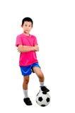 有足球的亚裔男孩 免版税库存图片
