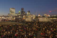 伦敦都市风景的人们 库存图片