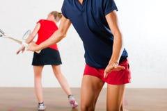 竞争体操球拍体育运动南瓜妇女 免版税图库摄影
