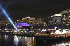 亲爱的港口在晚上,悉尼,澳大利亚 免版税库存图片
