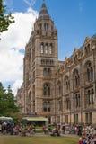 自然历史博物馆是一个游人的最喜爱的博物馆在伦敦 免版税库存照片