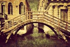 Холст года сбора винограда Венеции, Италии Романтичный мост Стоковая Фотография RF