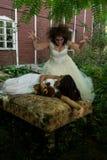 新娘和害怕的受害者 免版税库存照片