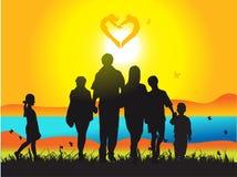 прогулки природы семьи счастливые Стоковое Изображение RF