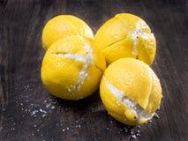 被保存的柠檬被盐溶象在摩洛哥 免版税库存照片