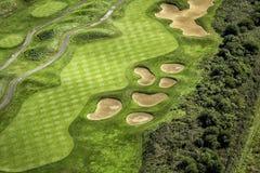 空中路线高尔夫球视图 免版税库存照片