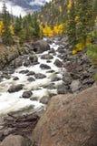 冰柱小河在秋天 库存照片