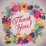 谢谢拟订在明亮的颜色 与文本、莓果、叶子和花的时髦的花卉背景 免版税库存照片