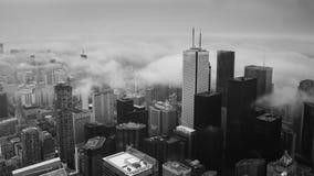 用云彩盖的街市多伦多 免版税库存图片