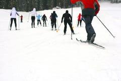 小组越野滑雪 免版税库存图片