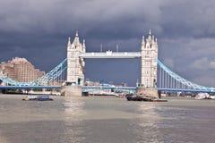 塔桥梁在伦敦,英国,英国 库存照片
